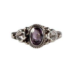 Zilveren ring amethist maat 18 3/4 | ovaal blaadjes