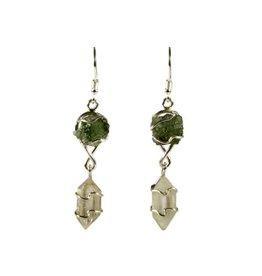 Zilveren oorbellen moldaviet en herkimer diamant