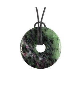 Robijn in zoisiet hanger donut 2,8 - 3,2 cm