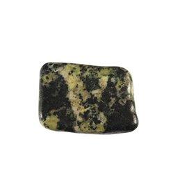 Magnetiet in serpentijn steen getrommeld 2 - 5 gram