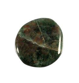 Diopsiet steen plat gepolijst