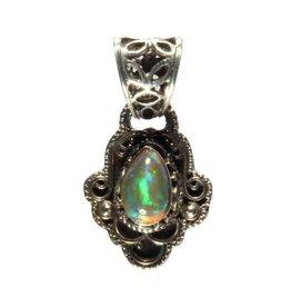 Zilveren hanger opaal (edel) druppel 0,8 x 0,6 cm