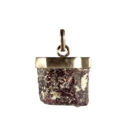Zilveren hanger robijn ruw