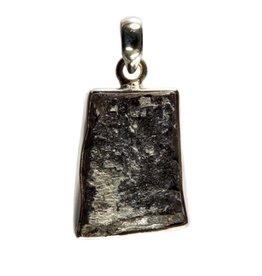 Zilveren hanger toermalijn (zwart) ruw 2,5 x 1,8 cm