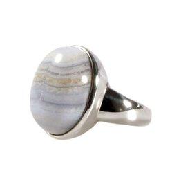 Zilveren ring chalcedoon maat 19 | ovaal 1,9 x 1,5 cm