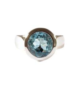 Zilveren ring topaas (blauw) maat 18 1/2 | rond facet 10 mm