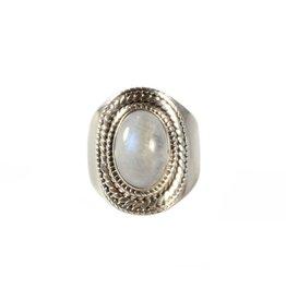 Zilveren ring maansteen (regenboog) maat 16 1/2 | ovaal 1,2 x 0,8 cm (2)