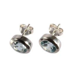 Zilveren oorstekers topaas (blauw) rond facet 6 mm