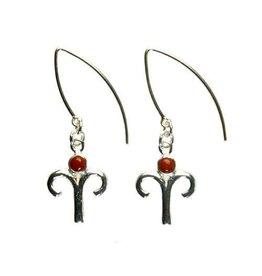Zilveren oorbellen sterrenbeeld ram met rode jaspis