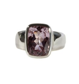 Zilveren ring kunziet maat 17 | facet rechthoek 1,1 x 0,9 cm