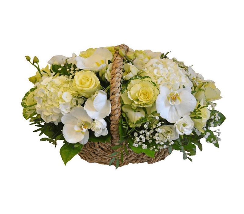 Bloemenmandje wit