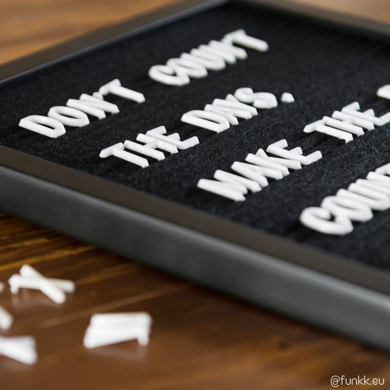 Funkk Tableau à lettres S feutre noir cadre noir (incl lettres)