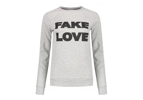 NIKKIE NIKKIE FAKE LOVE SWEATER