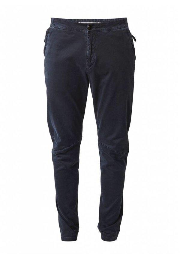 Regular waist tapered twill chino with elastic zoom