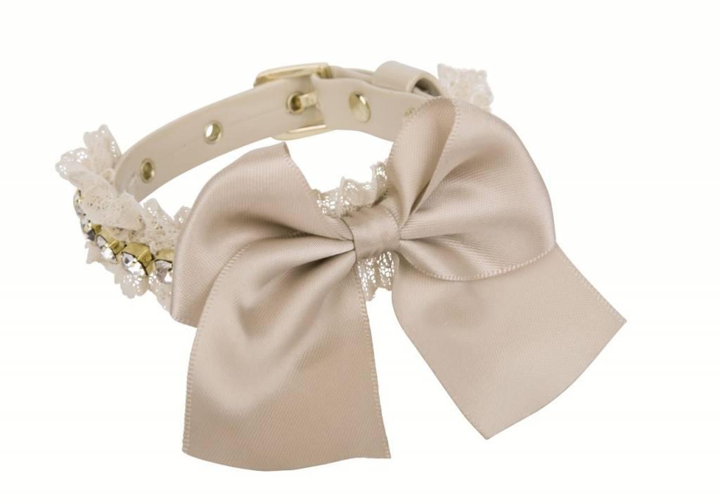 Charlotte's dress Vania biscuit goud