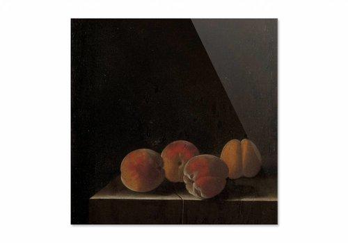 Vier abrikozen op een stenen plint • vierkante afdruk op plexiglas