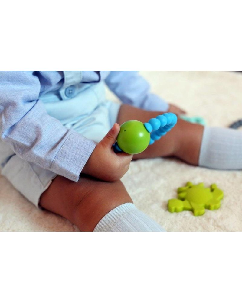 Nibbling Rattle ring - baby pink/white