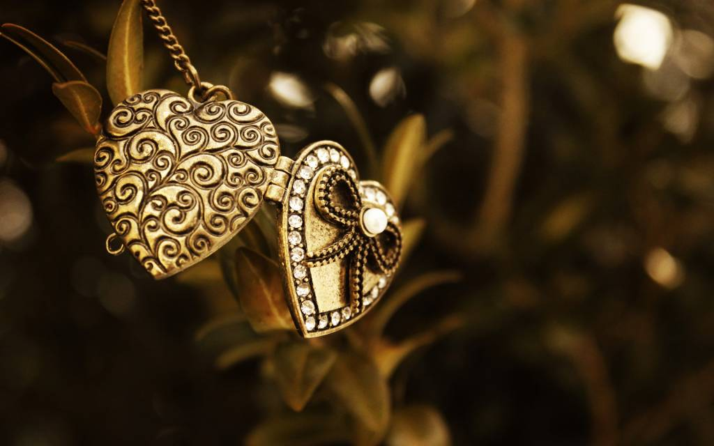 A Beginners Guide To Types Of Jewelry