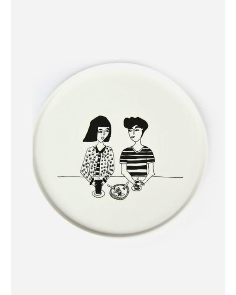 Helen B. Plate cake couple