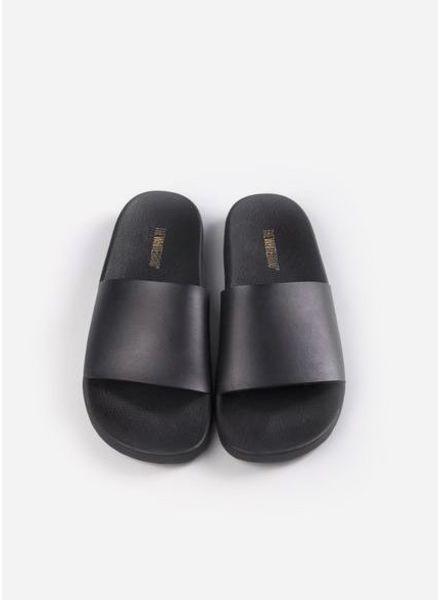 The White Brand Minimal slippers black