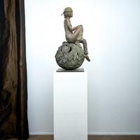 Eleonore Moffarts - Gravity