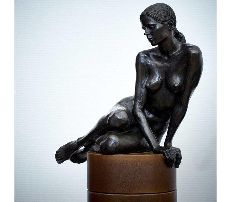 Irenee Duriez - Valerie zittend