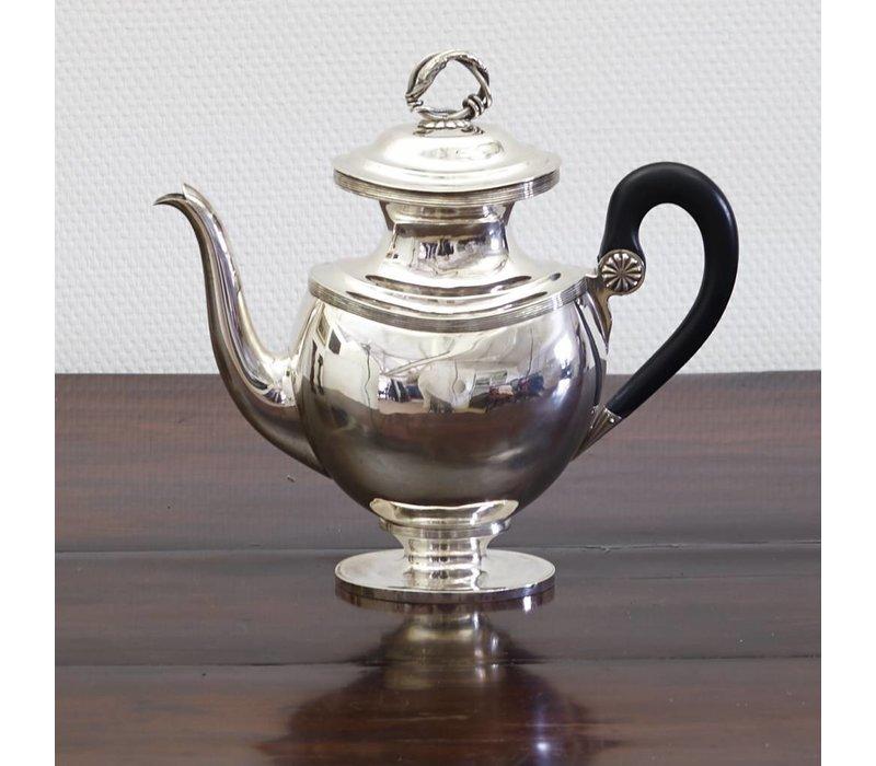 Zilveren koffiekan Groningen 1843