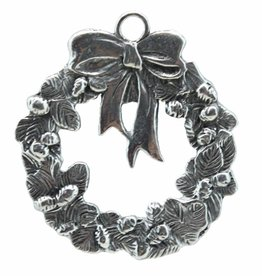 DTR Hanging ornament wreath with ribbon