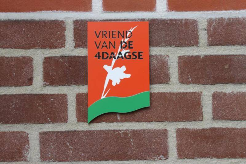 ... DTR Door shield Vierdaagse (large) & Door shield Four Days Marches (large) - DeTinnen Roos