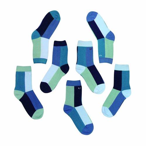 Solosocks Verschillende maar bijpassende sokken in fatsoenlijk turkoois, azuur en indigo nuances.