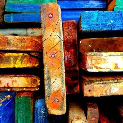 Motzen Sie Ihr Haus mit Gerüstholz auf