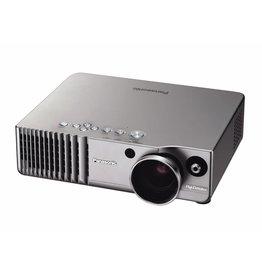 Panasonic Panasonic PT - 700E 1.000 ANSI Lumen
