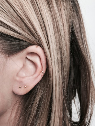 fashionoligy Tiny simple stud earpins gold
