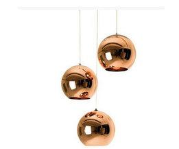 Glasstaklampa med sfäriska lampskärmar
