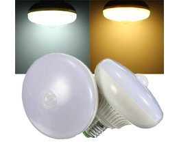 Automatisk lampa E27 LED PIR