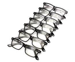 Svarta läsglasögon i olika styrkor