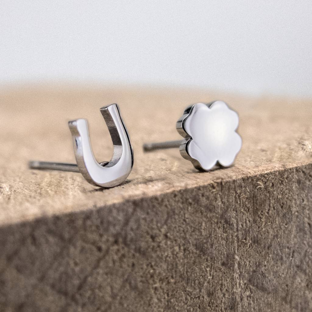 Ear studs horseshoe & clover