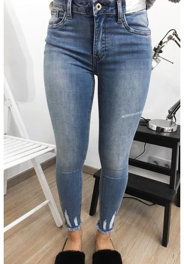 QUEEN HEARTS JEANS - LIGHT BLUE - SKINNY HIGH WAIST ANKLE ZIP