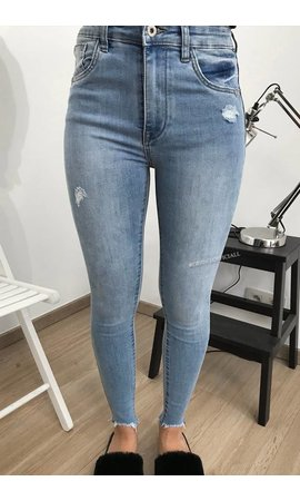 QUEEN HEARTS JEANS - LIGHT BLUE - SKINNY MID HIGH WAIST