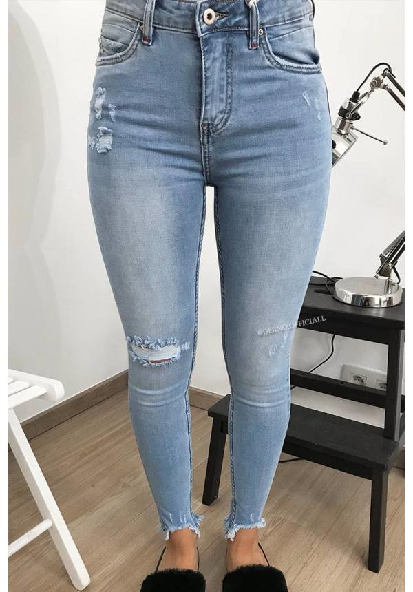 QUEEN HEARTS JEANS - LIGHT BLUE - RIPPED SKINNY MID HIGH WAIST - 9364