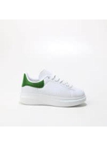 witte sneaker met groene bies