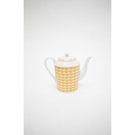 Yellow coffee pot - Tu es Vague