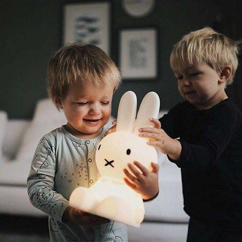 MR MARIA Nijntje Lamp | Eerste Licht + Gratis Set Nijntje Magneten