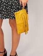 Mahé Yellow