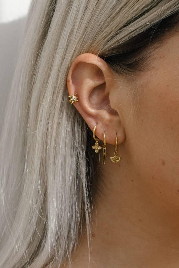 Eline Rosina BAR HOOPS gold