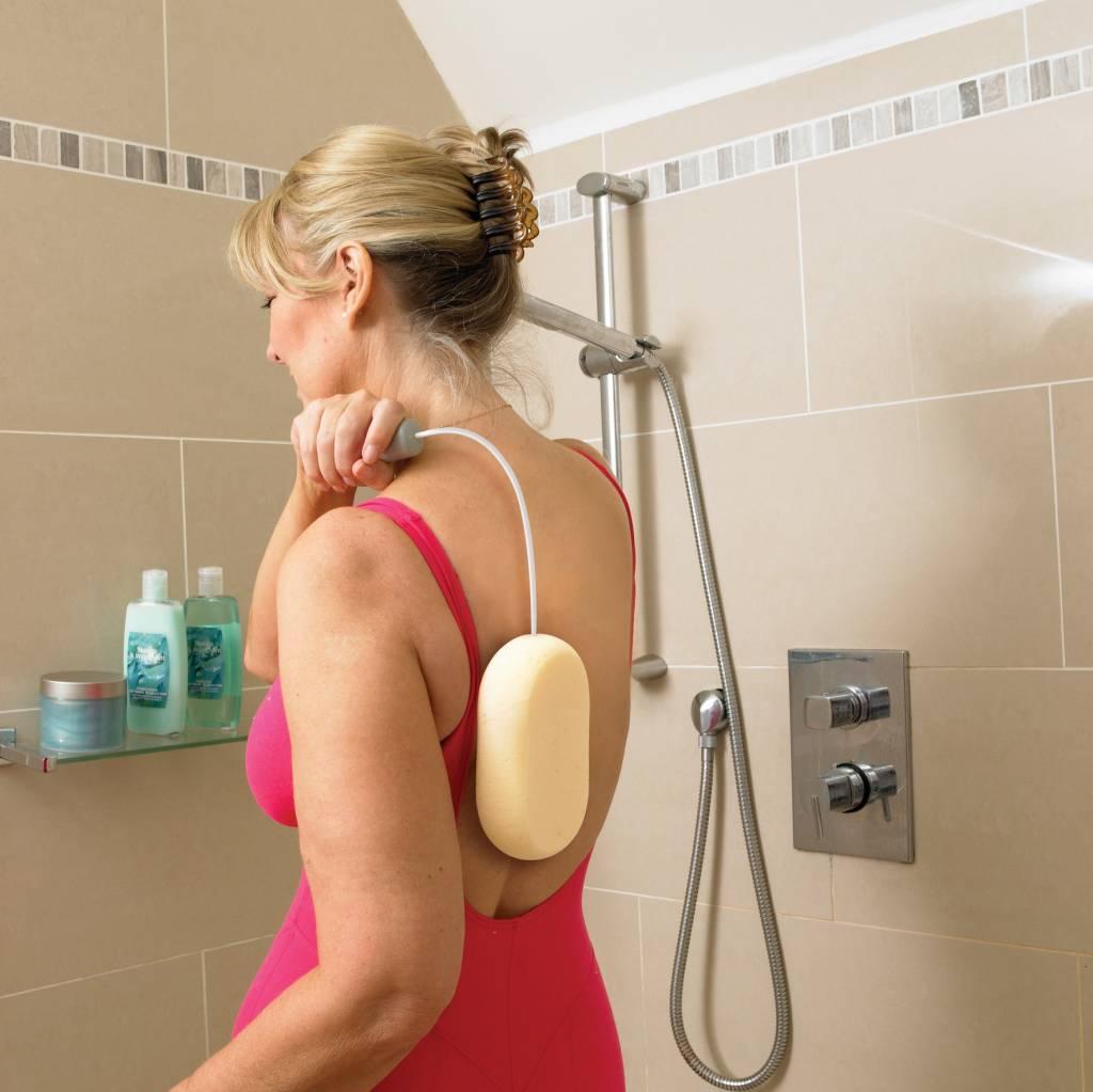 Badspons met verlengd buigbaar handvat