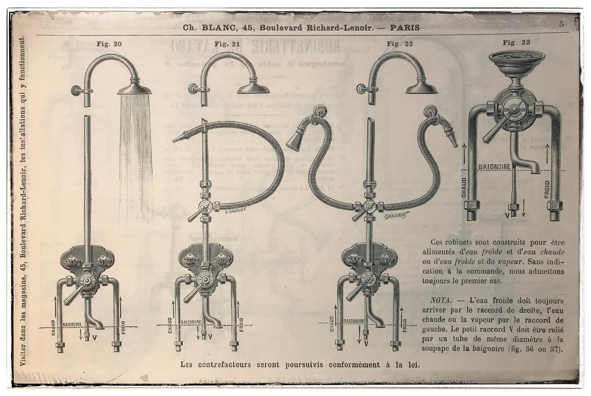 Douchekranen omstreeks 1900 met zeepbakjes