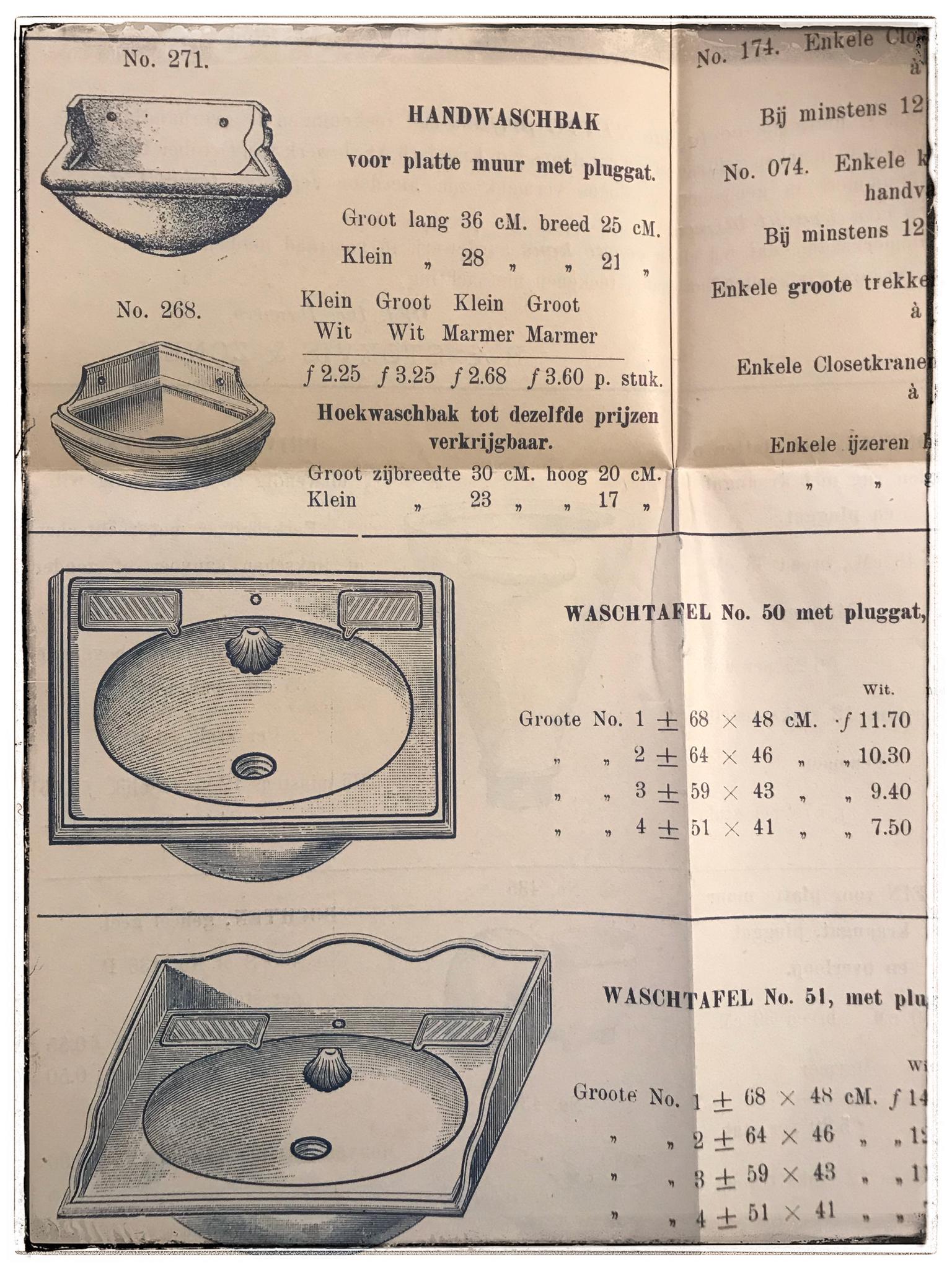 Kleine wastafel van porselein uit de periode 1900-1910