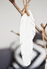 Madam Stoltz Madam Stoltz - Hanging porcelain feather white