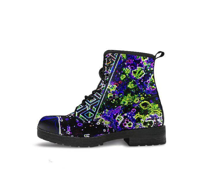 Noa Knafo Boots Electric Pineal Gland
